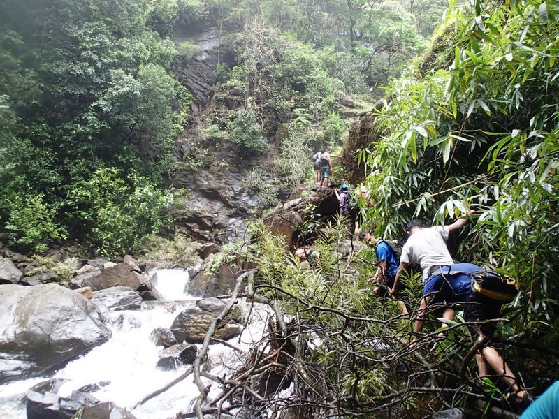 Todo Waterfall Trek - Tour