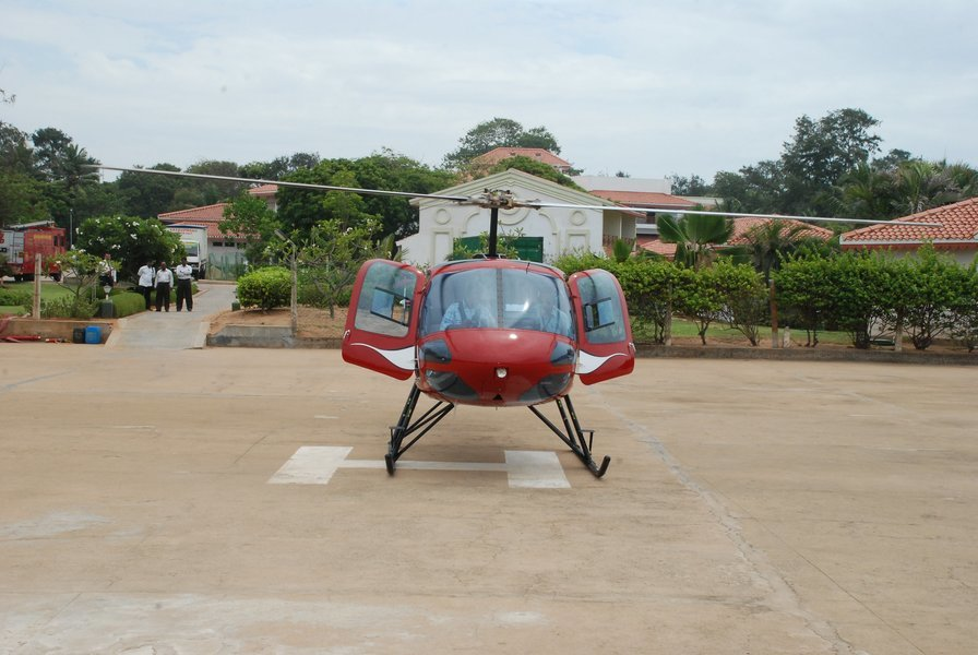 Private 15 minute helicopter Joy ride on Helicopter Enstrome - Tour