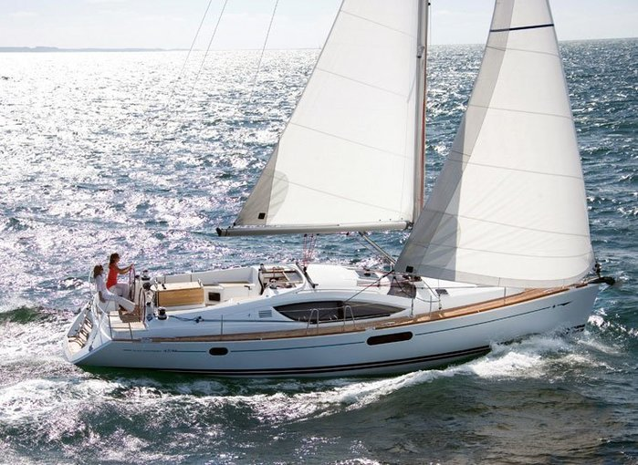 Luxury Sailing On Jeanneau 45 - Tour