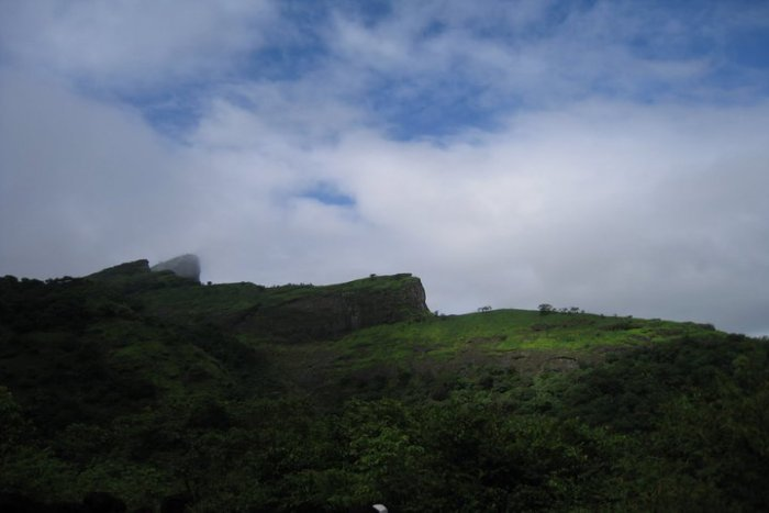 Dukes Nose Trek (Khandala) - Tour