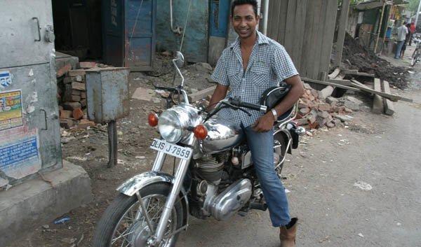 Facing Kolkata on the Motorbike - Tour