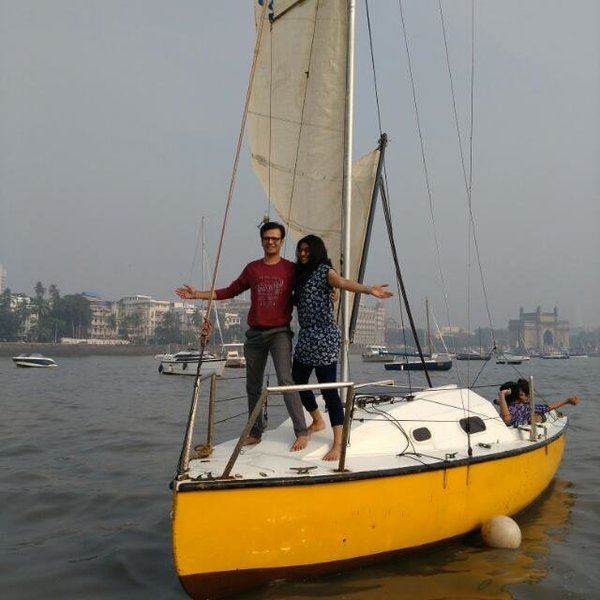 Hangover Sailboat - Tour