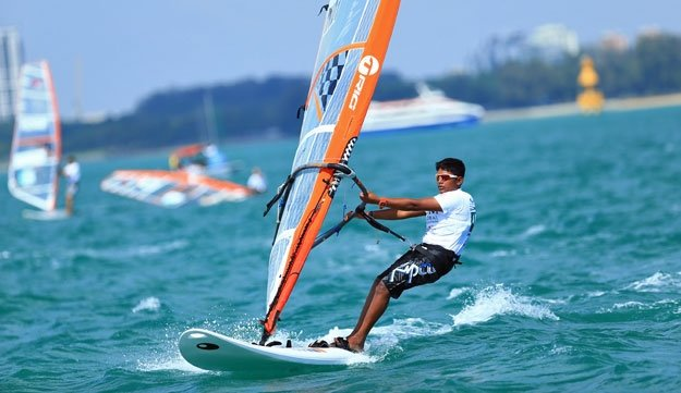 Wind Surfing - Tour