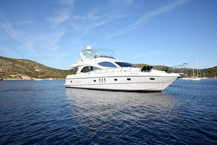 Majesty Yacht on Charter - Tour