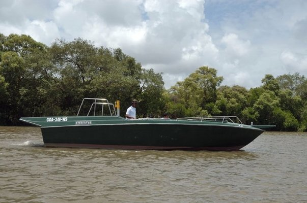 SAFARI BOAT - Tour