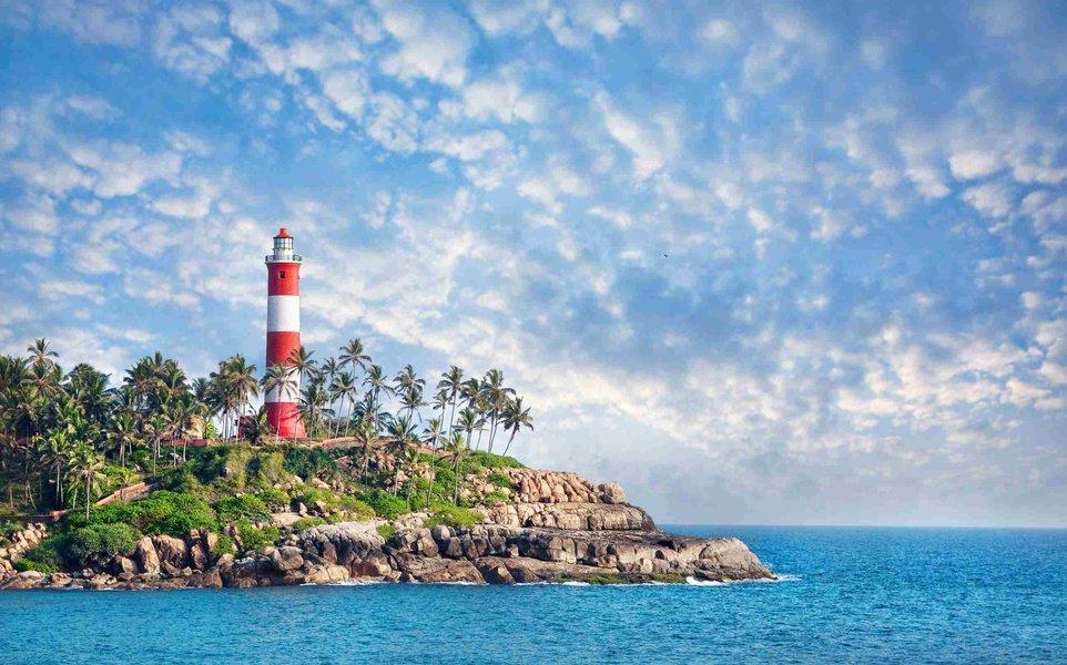 Kovalam - Kanyakumari - Madurai - Munnar - Thekkady - Kumarakom - Alleppey - Tour