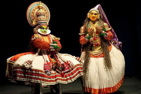 Kovalam - Alleppey - Kumarakom - Thekkady - Munnar - Cochin - Tour