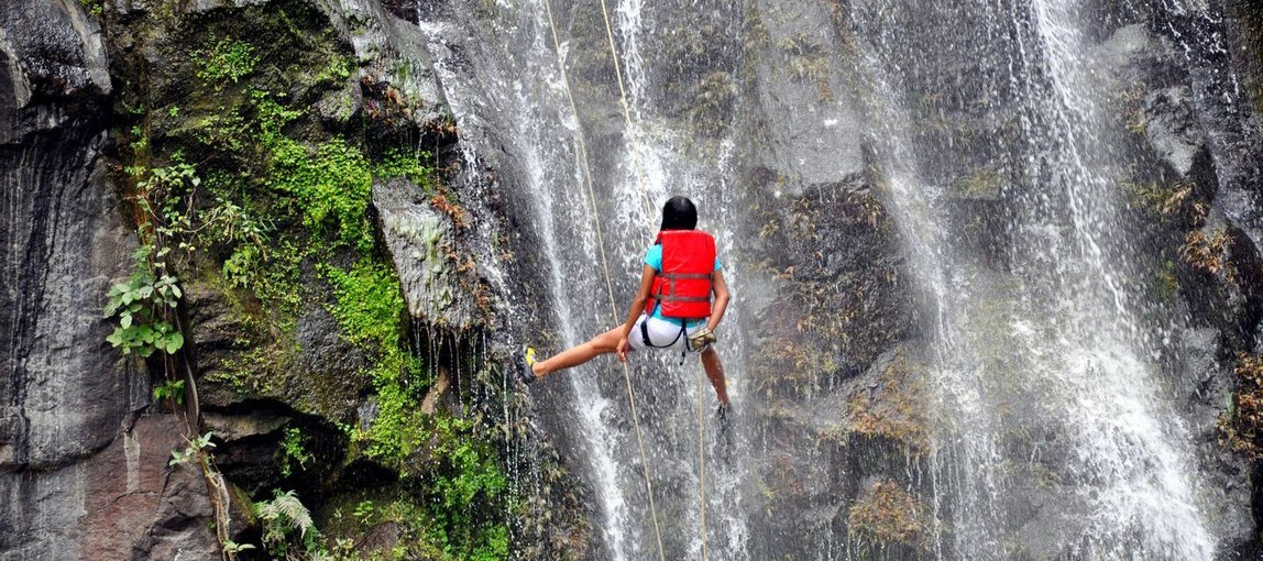 Waterfall Rappelling - Tour