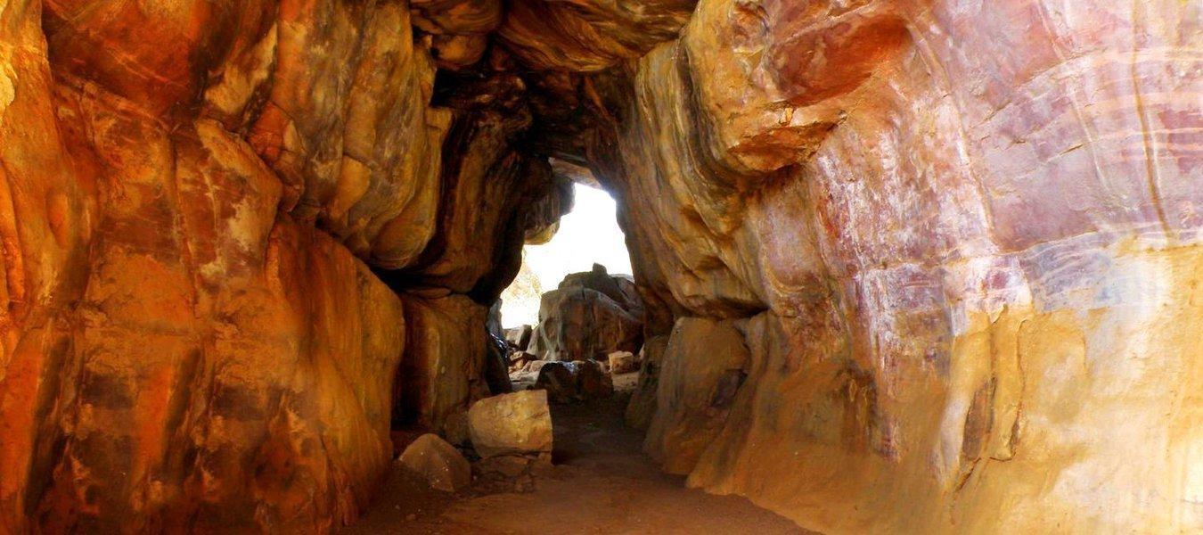 Rappelling & Cave Exploration - Tour