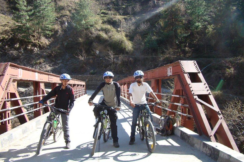 Mountain Biking Jalori Pass - Tour