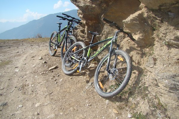 Bijali Mahadev (Off Road Trail) - Tour