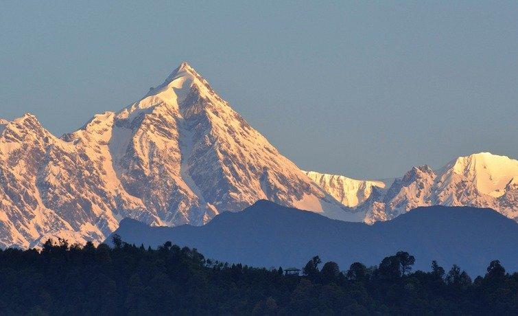 Mt. Frey Peak Climbing Expedition (5889 m) - Tour