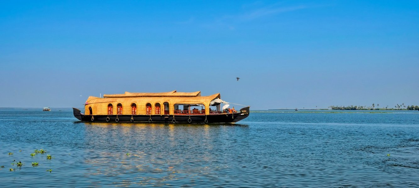 Kerala Tours Package - Munnar, Thekkady and Alleppey - Tour