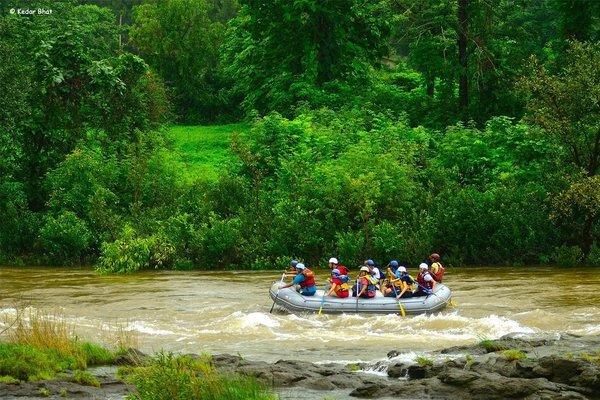 Weekends | Rafting + Lunch @ Hans Resort - Tour