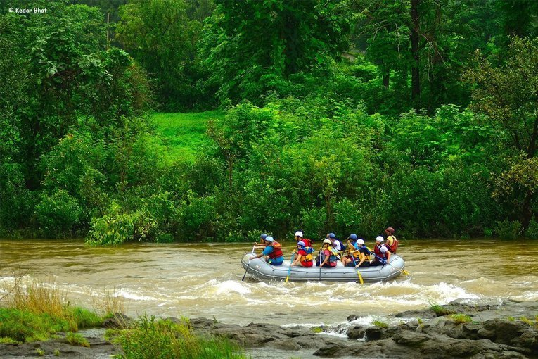 Weekdays | Rafting + Lunch @ Hans Resort - Tour