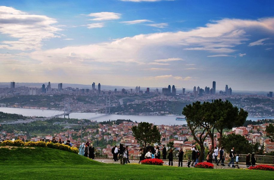 Bosphorus Bridge, Çamlica Hill And Dolmabahce Palace (Half Day Afternoon) - Tour