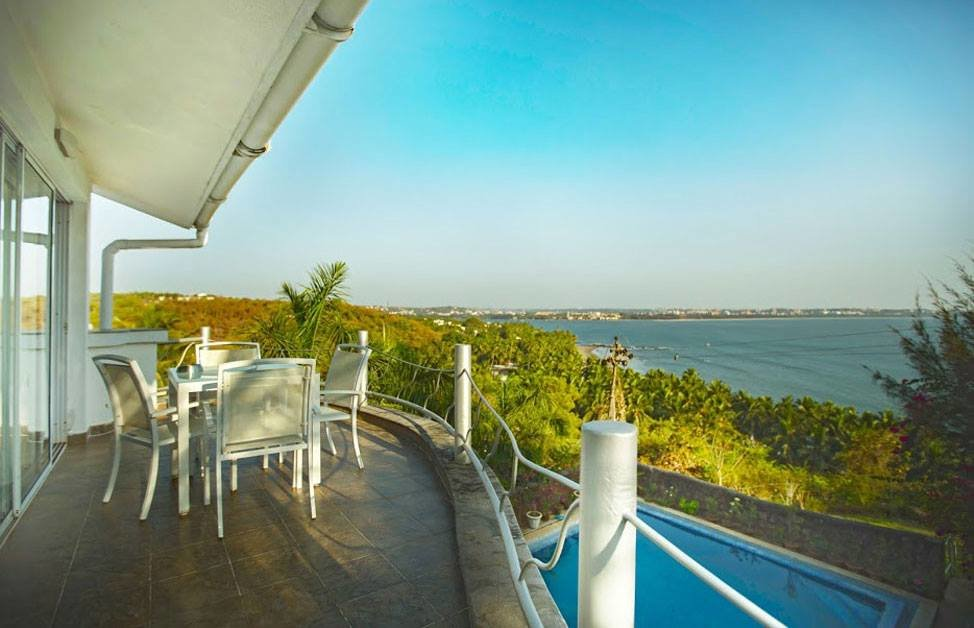 4 bedroom ocean view villa Reis Magos - Tour