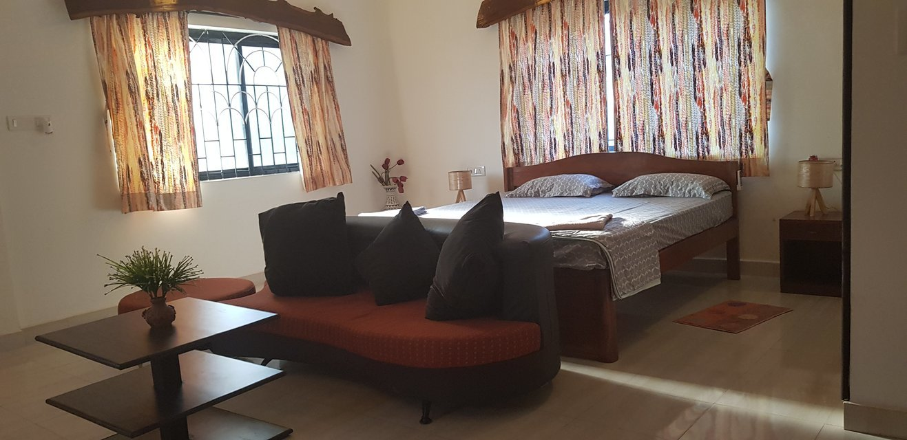 Studio apartments Candolim - Tour