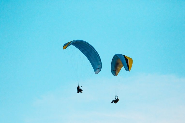 Paragliding in Kullu    Call now 9897263339 - Tour