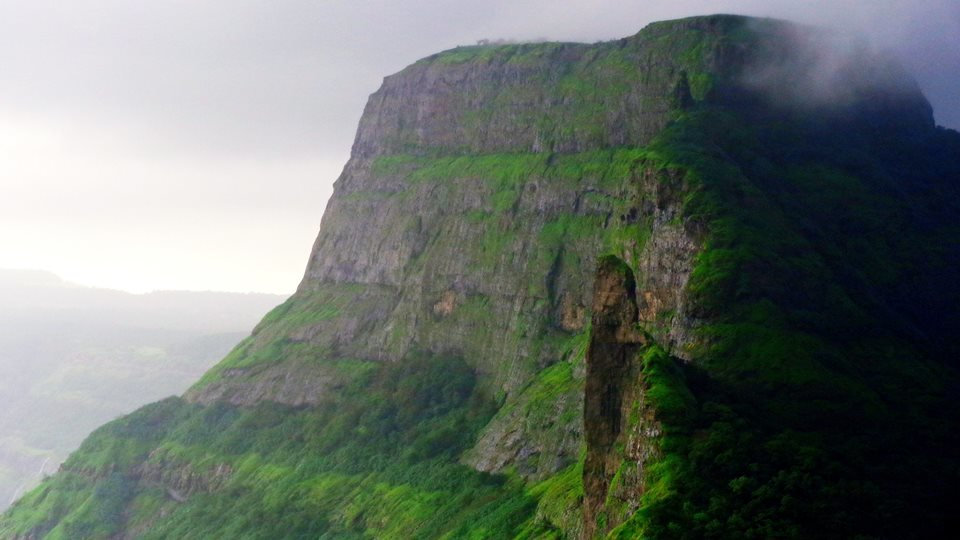 Monsoon Thrilling Trek To Dhak-Bahiri - Tour
