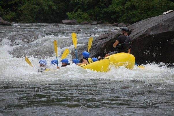 1 Km River Rafting - Tour