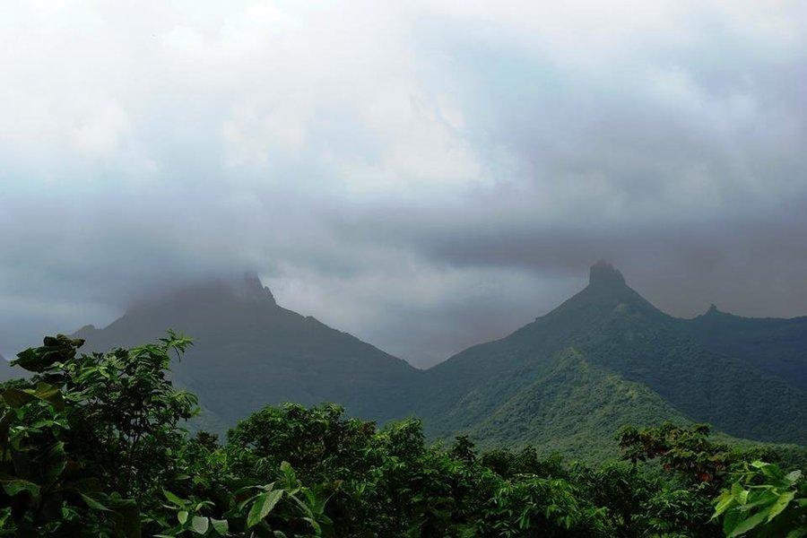 VRangers monsoon special Trek to Chanderi fort - Tour