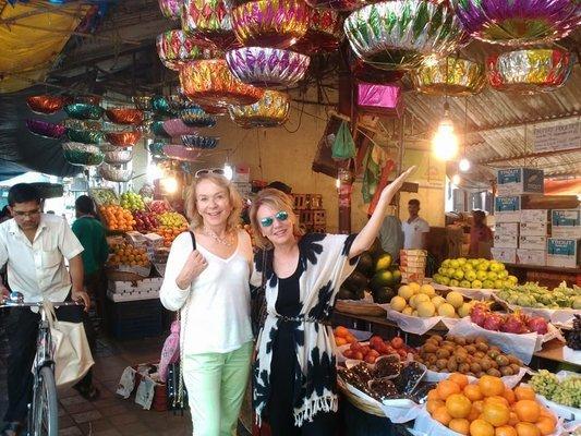 Bustling Markets Budget Tour - Tour