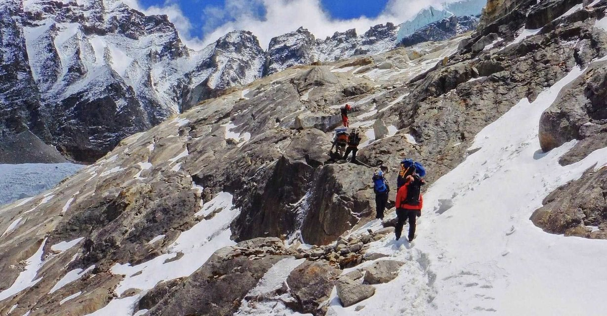 Daring Dzongri Trek - Tour