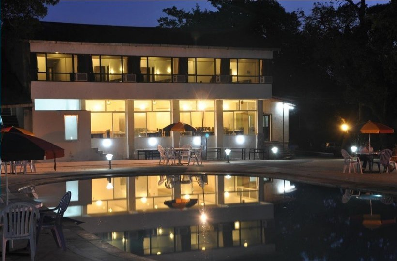Hotel Regal @ Rs 8600/- Per Couple - Tour