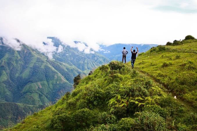 Laitlum Canyons Day Tour with Mawphlang Sacred Forest and Umiam Lake in Seat-in-Coach basis - Tour