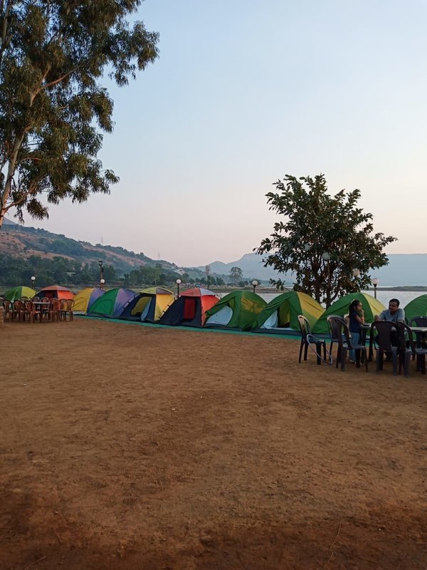 BE COMPS PAWNA CAMPING - Tour
