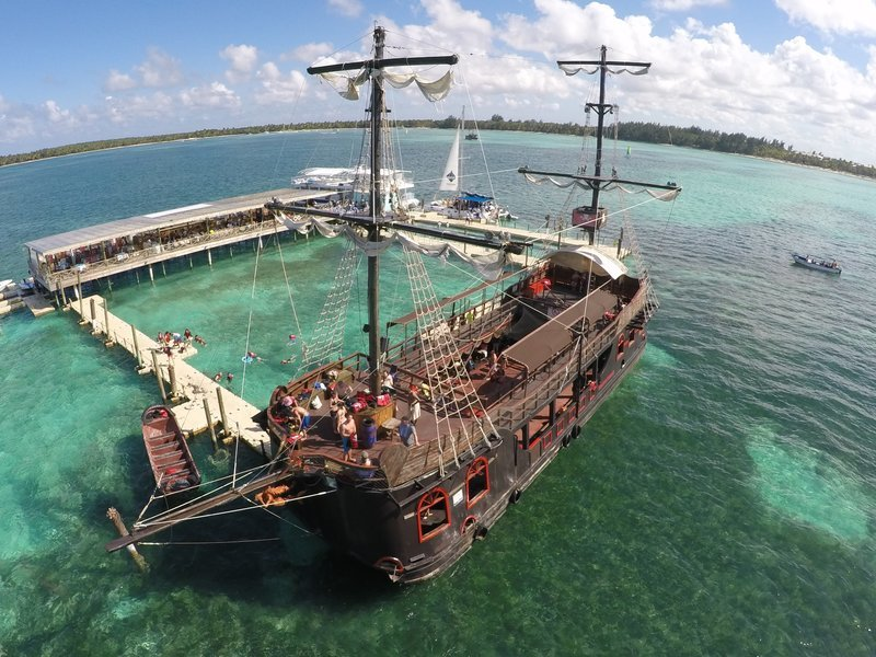 Caribbean Pirates - Tour