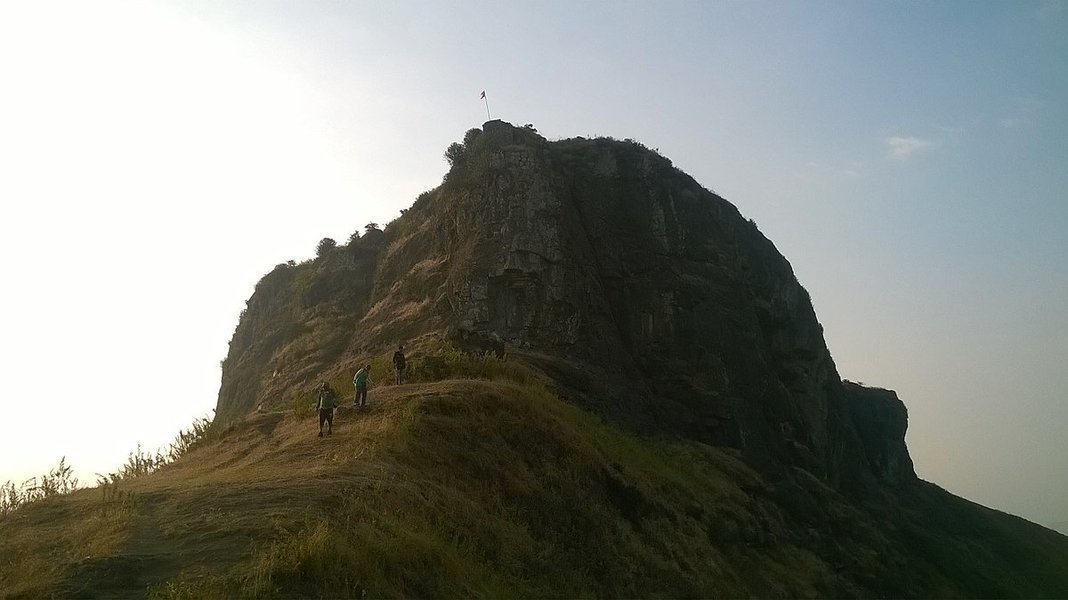 Night trek to Kavnai Fort - Tour