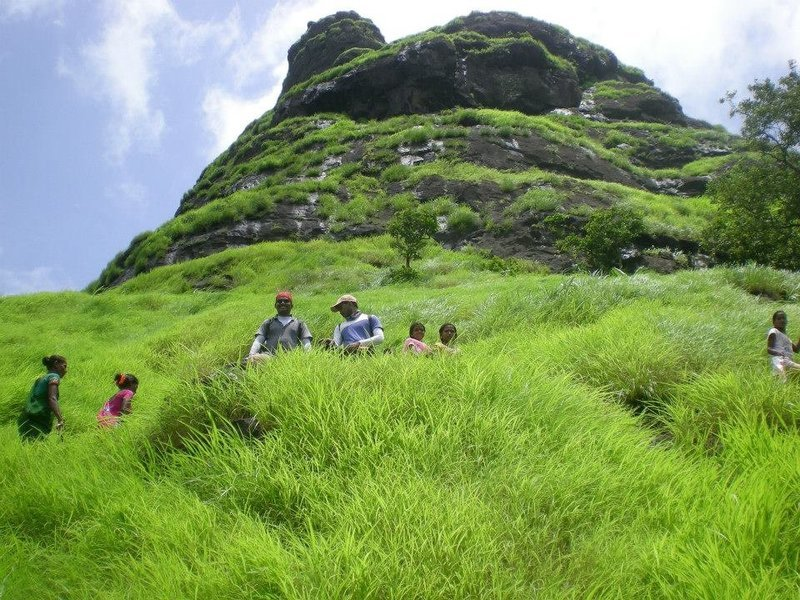VRangers One Day Trek To Manikgad - Tour