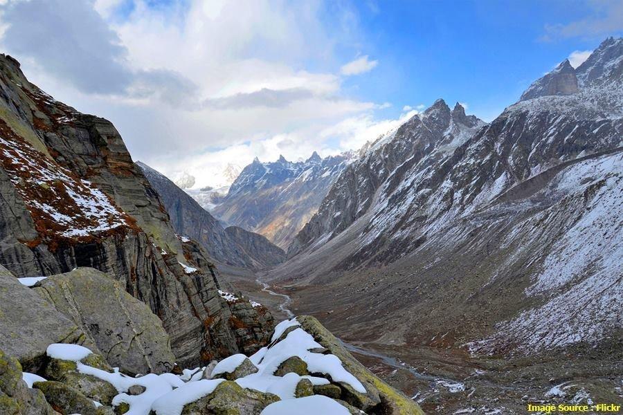 Hampta Pass & Chandrataal trek- A stunning crossover from manali - Tour