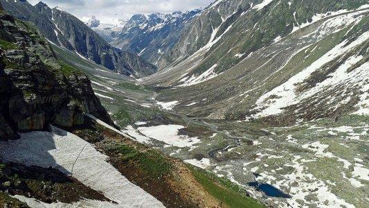 Winter Hampta Valley Trek