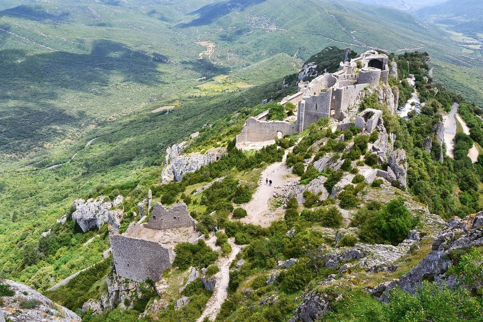 On The Road Of The Cathar Castels - Tour