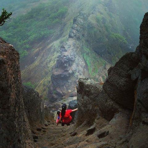 WOMEN'S DAY SPECIAL : Night Trek To Harihar Fort - Tour