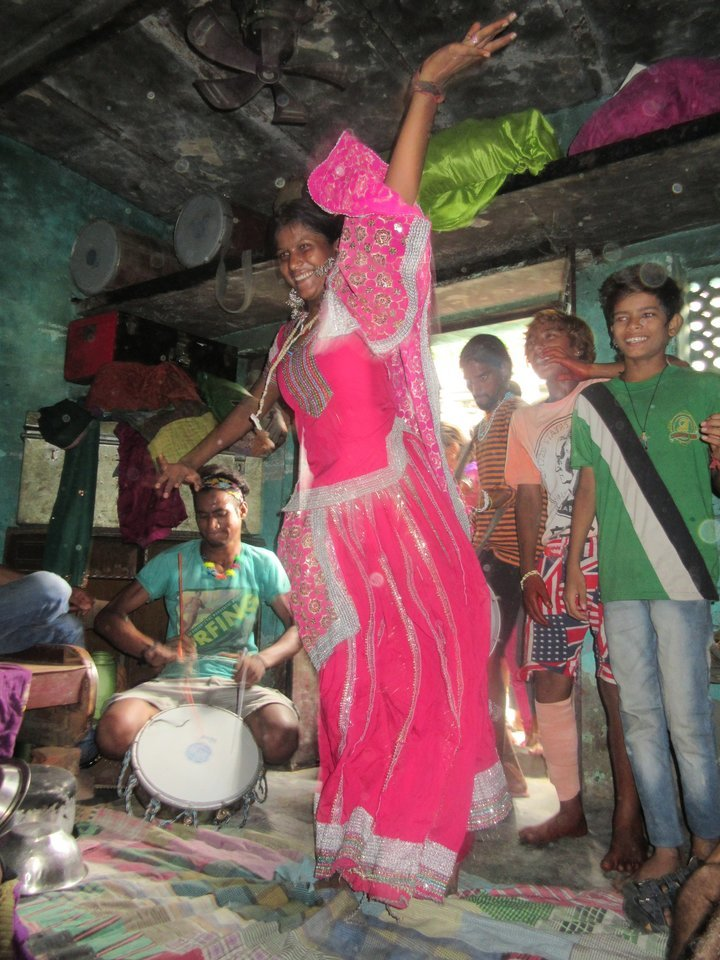 Slum Walk with Singing and Puppet Show - Tour