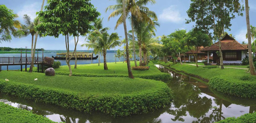 Kerala Backwaters Luxury Honeymoon Package - Tour