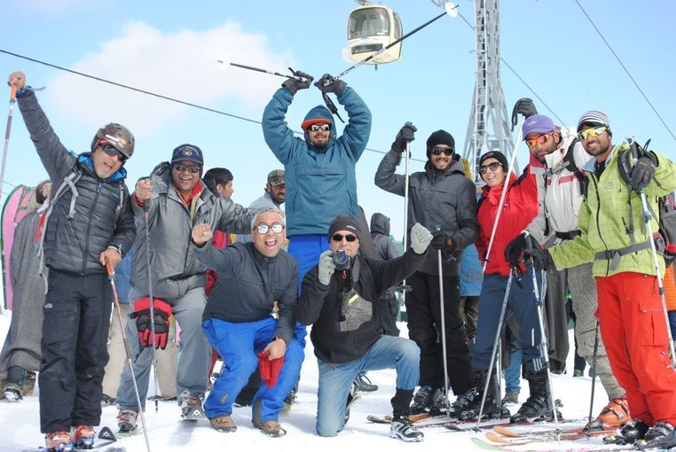 Skiing in Gulmarg - Tour