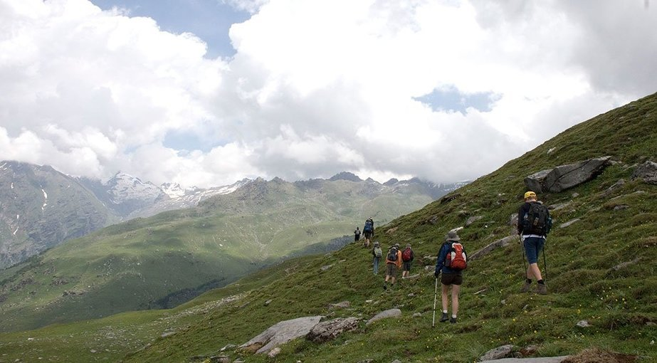 Deo Tibba and Hampta Pass Trek - Tour
