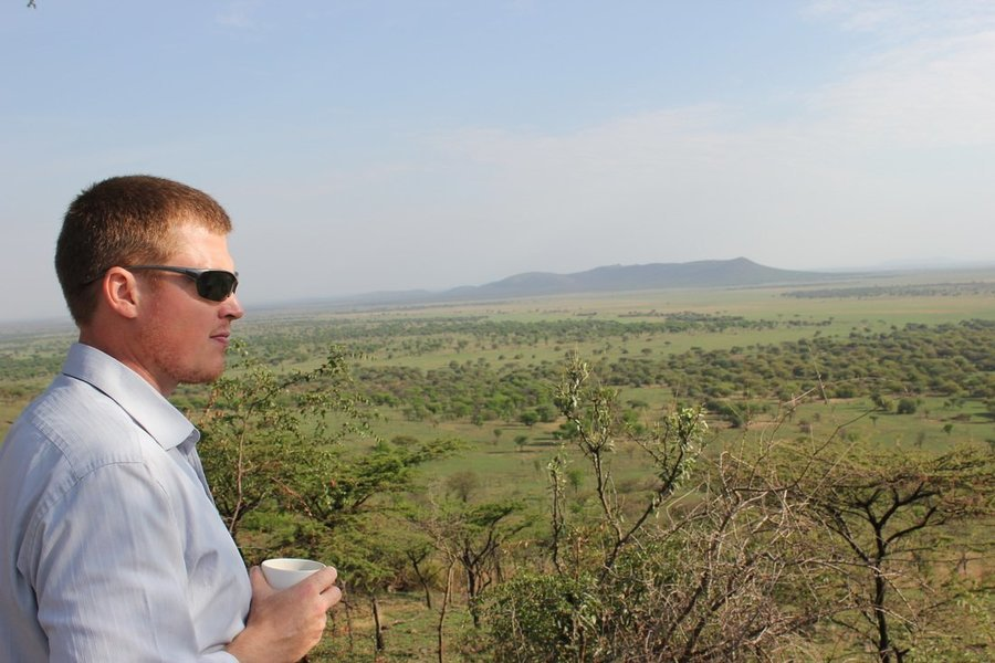 LEND A HELPING HAND ON SAFARI - Tour