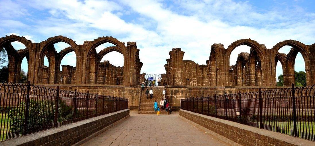Bijapur & Badami - Tour