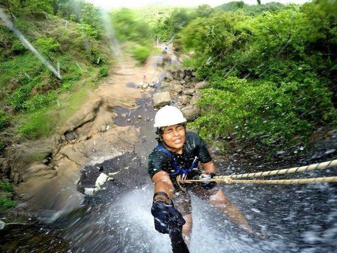 Bekare Waterfall Rappelling - Tour