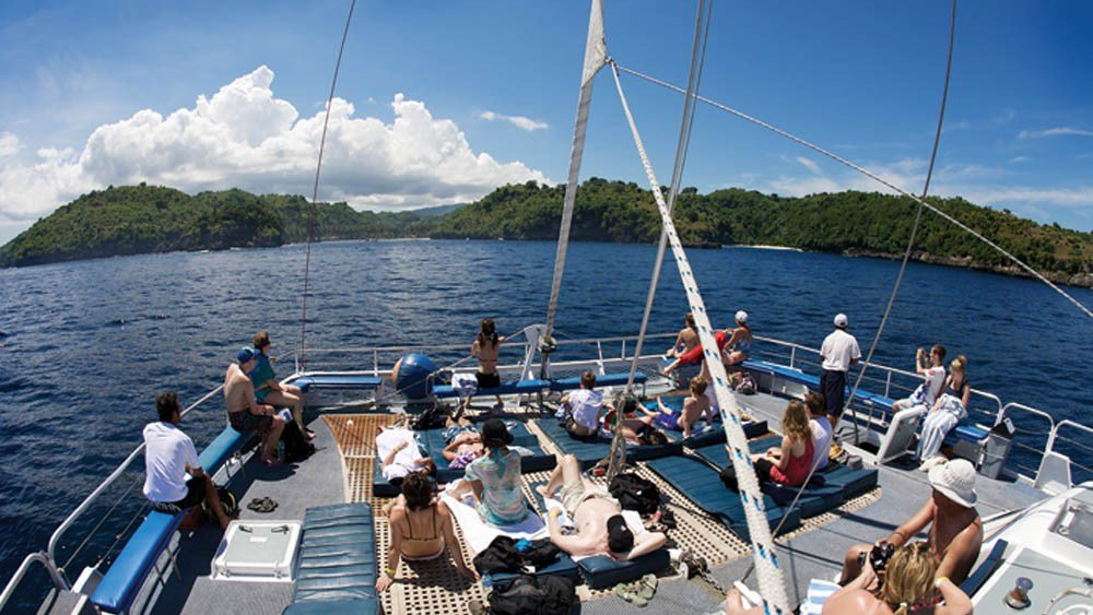 Aristocat The Luxury Sailing Cruise Tour with BBQ Lunch, Sightseeing in Bali - Tour