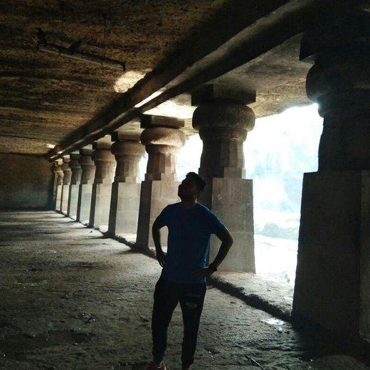 Half Day Cave Under a Slum Expedition + Gilbert Hill - Tour