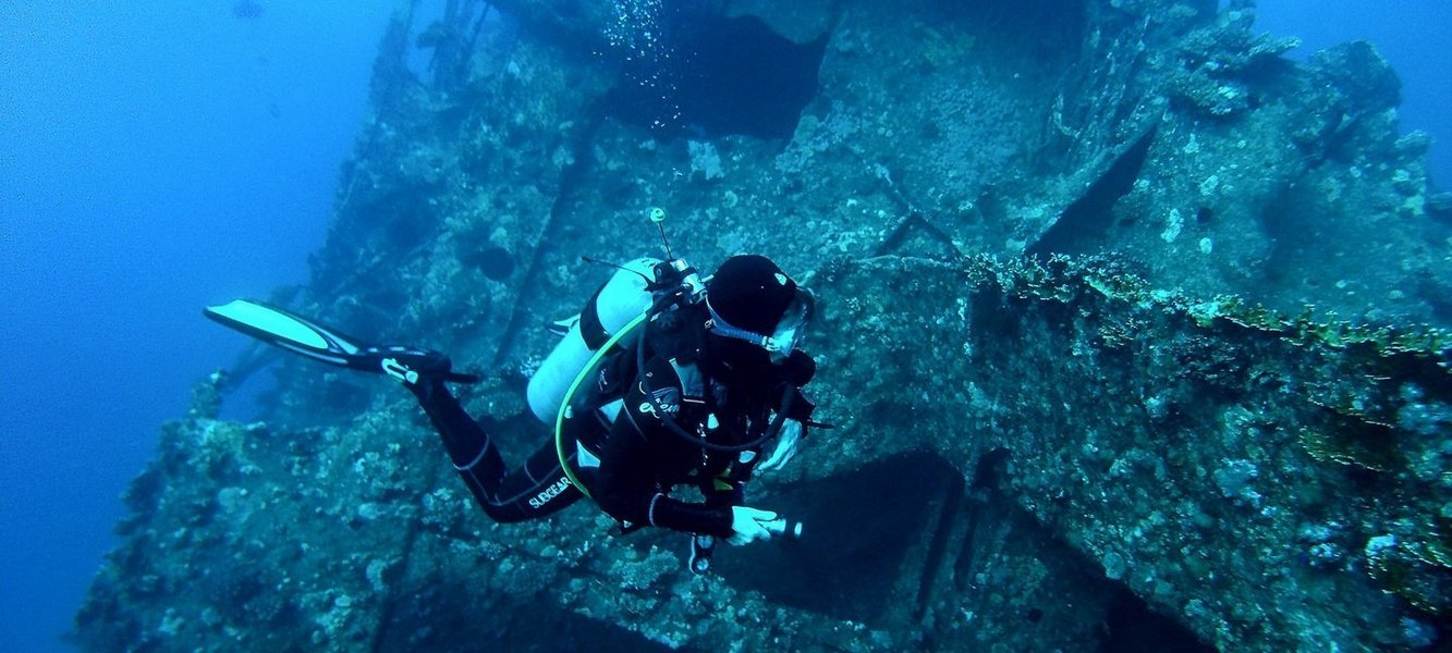 Scuba Diving in Davy Jones Locker - Tour