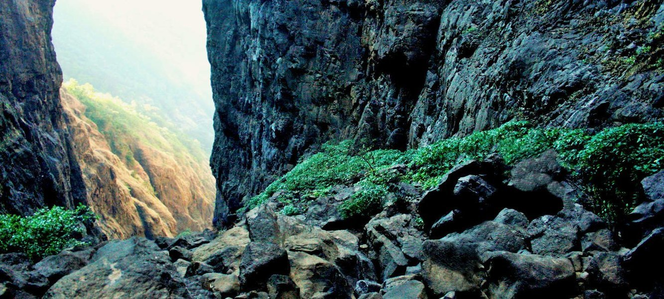 Trek to Sandhan Valley - Tour