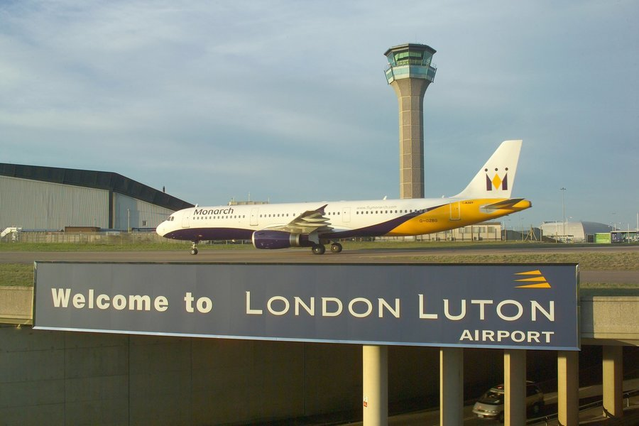 Transfer from Central London Hotel to Luton Airport, Private Airport Transfers in London - Tour